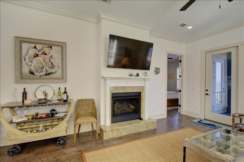 Fireplace / Wall Mounted  TV