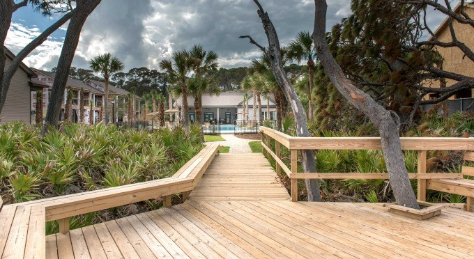 Boardwalk to Clubhouse from Beacc Deck