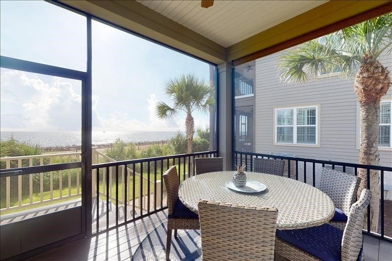 Screened Lower Porch with Seating Oceanfront
