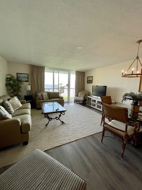 Living & Dining Area