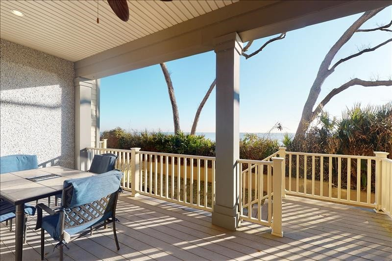Lower Oceanfront Porch