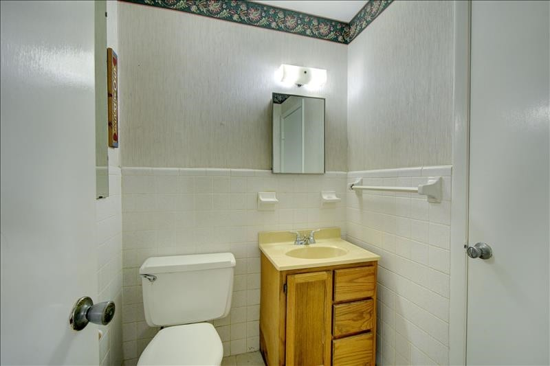 Dexter Powder Room