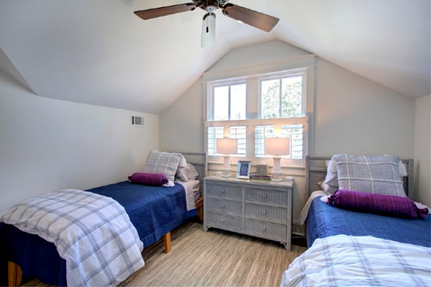 Upstairs Guest Room 1
