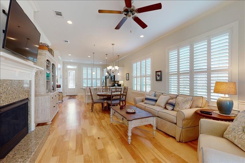 living room of jekyll island rental